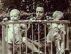 Albert_Camus_twins 1